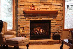 Șemineele se potrivesc în orice locuință. Ai căldură, confort și stil!